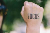 ۱۰ روش برای متمرکز ماندن